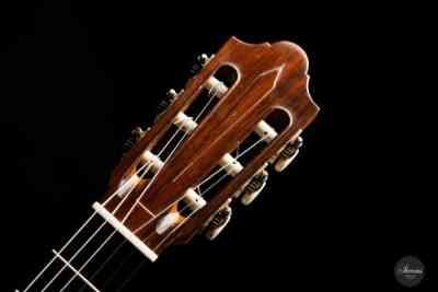 Classical guitar Daniel Friederich 1971 head 2